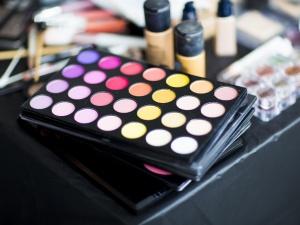 Ultieme tips zodat je make-up langer blijft zitten